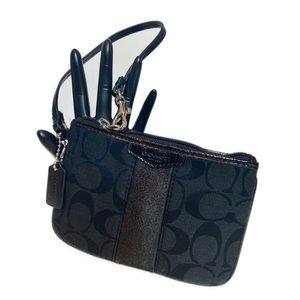 NEW Coach wristlet purse clutch wallet